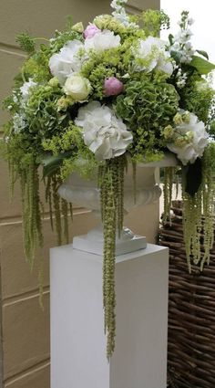 All Time Best Tricks: Large Artificial Plants artificial flowers garden.How To Make Artificial Plants. with plants indoors ideas Incredible Artificial Plants Life Ideas Large Flower Arrangements, Wedding Flower Arrangements, Large Flowers, Wedding Centerpieces, Wedding Flowers, Wedding Decorations, Succulent Arrangements, Simple Flowers, Wedding Plants