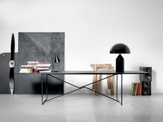 Clean black work space, minimal style. Mau-Studio-TTA-Table-black-clarastil