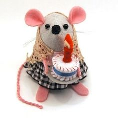 Who wants some cake?  #cake #mouse #rat #etsy #birthday #cute #adorable #handmade #gift #giftideas #fun #smile #art #artist #artrat #ratart #artmouse #mouseart #etsyshop #etsystore #etsyfinds #etsygifts #mompreneur #momboss #thehouseofmouse #THOMPins #thom