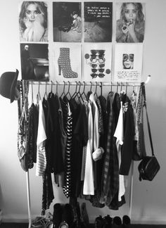 A clothes rack, some black and white posters or pictures and a pair of shoes on the floor could already give you that little Paris chic - je ne sais quoi - feeling