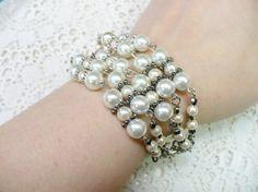 OOAK Vintage Strand White/Ivory Pearl Bracelet  by ElegantiTesori