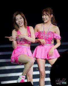 Snsd Sunny & Tiffany