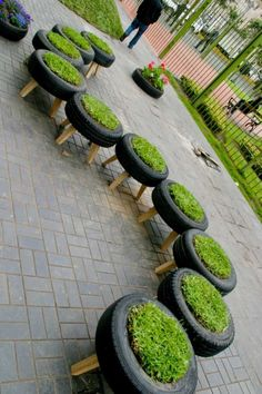 DIY Planters Made by Old Tyres Garden ideas