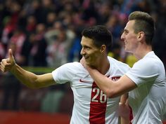 Leicester bring in Bartosz Kapustka on five-year deal