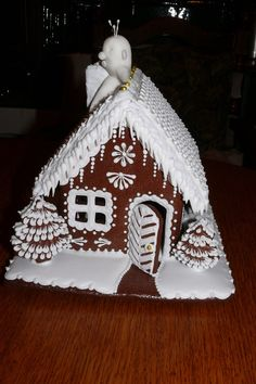 Perníková chaloupka s duchem Gingerbread House Designs, Gingerbread Decorations, Christmas Gingerbread House, Christmas Cookies, Merry Christmas, Xmas, Best Cookies Ever, Cookie Icing, Cookie Exchange
