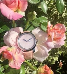 From nature with love 💕  #alexbenlo #watch #watchaddict #watchoftheday #pink #pinkquartz #love #flowers #rose #nature #naturelovers #pastel #happiness #fit #healthy #yoga #lifestyle #outfit #lovely #pinkmood #summervibes #summer #positivemind #positivevibes #loveourplanet #mothernature