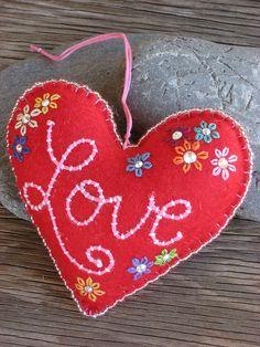 Embroidered Heart with Love ♡ Felt Decorations, Valentine Decorations, Fabric Hearts, Crochet Amigurumi, Felt Embroidery, Heart Crafts, Felt Christmas Ornaments, Felt Patterns, Heart Ornament