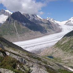 Eine wunderschöne Wanderung vom Aletschgletscher zum Fieschergletscher mit einer fabelhaften Aussicht. Ich bin begeistert von dieser Bergwelt. Diese Wanderung ist Krafttanken pur. Inspire, Mountains, Nature, Travel, Inspiration, Switzerland, Viajes, Nice Asses, Biblical Inspiration