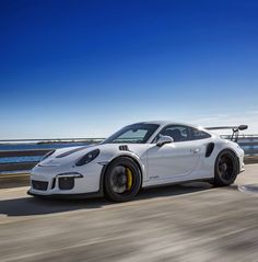 Porsche 991 GT3 RS painted in White  Photo taken by: @drivingforceclub on Instagram (@aimotorsports on Instagram is the owner of the car)
