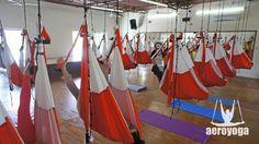 METODO AEROYOGA® OFICIAL EN EUSKADI, CONSULTA POR LOS CENTROS OFICIALES AEROYOGA® EN DONOSTI, BILBAO, VITORIA... Y POR LA FORMACION INTERNACIONAL AEROYOGA® AEROPILATES® AQUI www.yogaaereodonosti.com Ayurveda Y Natha Yoga forman parte de los conceptos de salud, ejercicio y filosofia del método AeroYoga® (Yoga Aéreo©) Formación de Profesores
