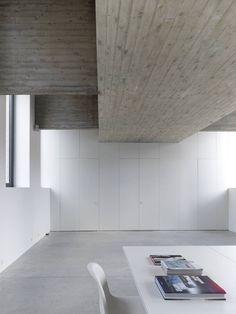House and swimming pool K dmvA Architecten BVBA
