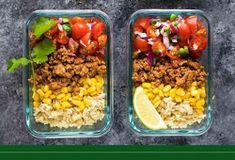 These turkey taco meal prep bowls with turkey taco meat, corn, pico de gallo and brown rice are simple, but filling. Makes four lunches. Clean Dinner Recipes, Clean Dinners, Clean Eating Recipes, Cooking Recipes, Clean Foods, Eating Clean, Healthy Dinners, Lunch Meal Prep, Meal Prep Bowls