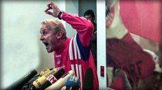 """Heute stellt Trainer-Legende Giovanni Trapattoni seine Biografie """"Ich habe noch nicht fertig"""" vor. Ob diese schwach ist wie eine Flasche leer, wissen wir nicht. Wir wissen nur: Deine Wutrede damals war SENSATIONELL - danke für dieses Stück Fußball-Geschichte, Trap!"""