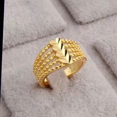 Stylish gold rings designs with WEIGHT Gold Bangles Design, Gold Earrings Designs, Gold Jewellery Design, Necklace Designs, Black Hills Gold Jewelry, Gold Jewelry Simple, Gold Rings Jewelry, Gold Bracelets, Black Gold