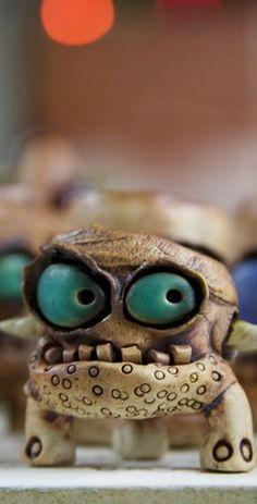 James DeRosso - ceramic artist who specializes in little monsters. Ceramic Monsters, Clay Monsters, Ceramic Animals, Ceramics Projects, Clay Projects, Clay Crafts, Ceramic Pottery, Ceramic Art, Slab Pottery