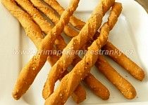 Žížalky (celozrnné paprikové tyčky se sezamem) Carrots, Bacon, Vegetables, Breakfast, Food, Morning Coffee, Essen, Carrot, Vegetable Recipes