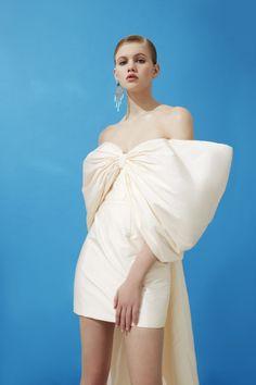 Trendy Dresses, Cute Dresses, Short Dresses, Fashion Dresses, Beautiful Dresses, Haute Couture Dresses, Couture Fashion, Runway Fashion, Shin Min Ah Fashion