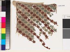 Textile fragment with quatrefoils and stems (EA1993.206)