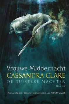 Vrouwe Middernacht is echt een Young Adult Fantasy boek dat ook volwassenen zeer zal bekoren. Cassandra Clare's schrijfstijl is een genot! #recensie