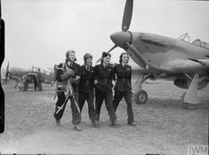 Now their job is done four Air Transport Auxiliary service pilots (three Americans and one Polish) leave an airfield near Maidenhead 19 March They are from left to right: Roberta Sandoz Kay Van Doozer Jadwiga Piłsudska and Mary Hooper. Royal British Legion, Focke Wulf, The Spitfires, Female Pilot, Aviators Women, Prisoners Of War, Battle Of Britain, British History, Modern History