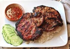 Aluat fraged pentru mini tarte sărate - Rețete Merișor Vietnamese Grilled Pork, Vietnamese Rice, Grilled Pork Loin Chops, Nutella, Chops Recipe, Lamb Chops, Pork Chop Recipes, Rice Vinegar, Lemon Grass