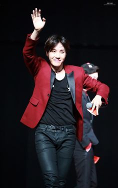 |BTS| J-HOPE #BTS #Jhope, gawd he looks best when dancing, all serious and sexy