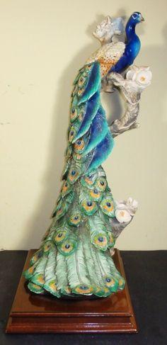 ,peacock statue