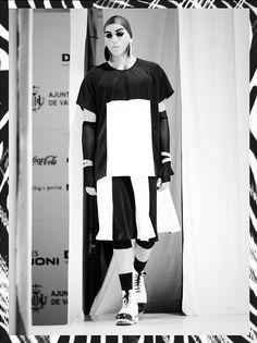 2255 by Anel Yaos/ Spring 15/ Look Neopreno/ Valencia Fashion Week/ Zocos by Elena Ferro Lamela/ Metacrilato by Inmaculada Vergara/ Women/ Men/ Backstage/ Photo JUMGER Photography