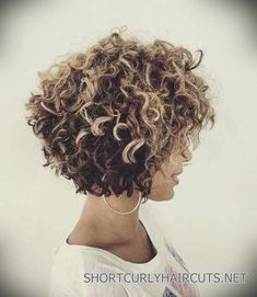 Bob hairstyles are incredibly on trend lately. Bob hairstyles are incredibly versatile, offering a range. Short Curly Hairstyles For Women, Layered Bob Hairstyles, Haircuts For Curly Hair, Curly Hair Cuts, Short Hair Cuts, Curly Hair Styles, Natural Hair Styles, Curly Short, Natural Curls