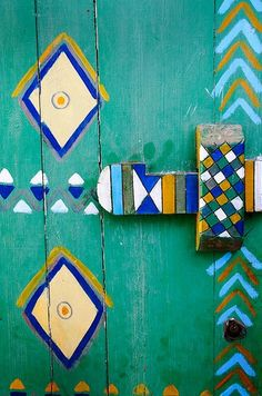 Very brazilian colours and style in a nubian's door