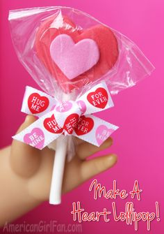 To Make A Valentine's Day Heart Lollipop For American Girl Dolls! (click through for tutorial) American Girl Food, American Girl Birthday, American Girl Crafts, Ag Doll Crafts, Diy Doll, Valentines Day Hearts, Valentine Day Crafts, American Girl Accessories, Doll Accessories