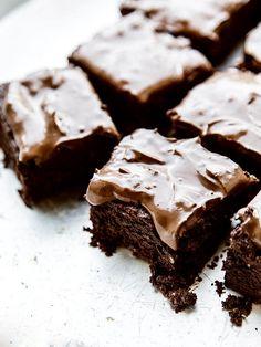 Brownies mit Kokosnuss-Schoko-Glasur