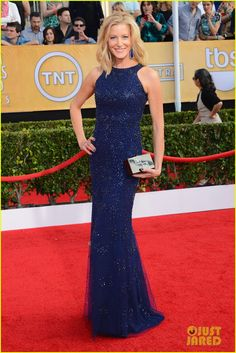 Anna Gunn - SAG Awards 2014 Red Carpet | anna gunn sag awards 2014 red carpet 01 - Photo
