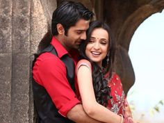 Barun Sobti and Sanaya Irani win the best on screen Jodi award at Indian Telly Awards!