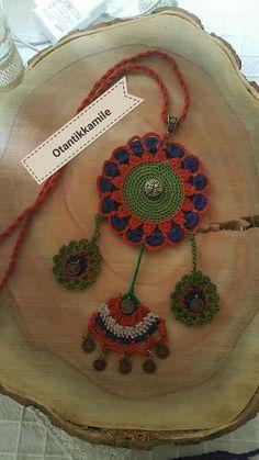 This Pin was discovered by Wi diy Jewelry accessories Crochet Belt, Crochet Diagram, Crochet Motif, Crochet Designs, Crochet Patterns, Diy Earrings, Crochet Earrings, Knitted Necklace, Diy Crafts Jewelry