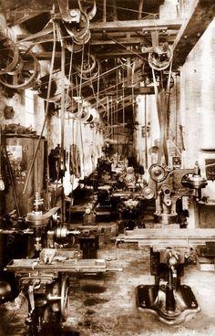 Sala de tornos de La Maquinista Valenciana