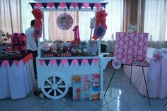 Stage design barbie theme diy pinterest stage design candy cart buffet solutioingenieria Image collections