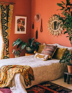 36 Enjoying Colorful Bedroom Design Ideas That You Will Love It - Does your bedroom need a makeover, however, you are having trouble deciding on a color scheme? It is an important decision, especially when you consid. Bohemian Bedroom Decor, Hippie Home Decor, Bohemian Living, Vintage Hippie Bedroom, Bohemian Interior, Interior Decorating, Interior Design, Gypsy Decorating, Design Design
