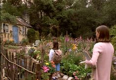 """A look at Miss Honey's Cottage and the other houses that are featured in the movie """"Matilda"""" starring Mara Wilson and Danny Devito. Ms Honey Matilda, Roald Dahl, Top Movies, Movies And Tv Shows, Matilda Movie, Mara Wilson, Miss Honey, When I Grow Up, Danny Devito"""