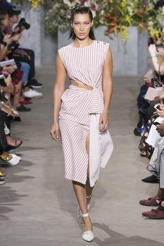 Jason Wu New York - Spring Summer 2018 Ready-To-Wear - Shows - Vogue. Fashion 2018, Fashion Week, Runway Fashion, High Fashion, Womens Fashion, Fashion Fashion, Jason Wu, Spring Summer 2018, Spring Summer Fashion