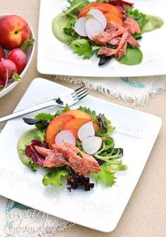 Salade a la truite fumee vinaigrette avocat kiwi