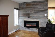 Séjour réaliser par une de nos designer! décoration, mur de pierre avec foyer, venez nous voir pour de nouveaux projets. Le jardin d'Andrée-Anne, www.lejardin.ca Foyer, Decor, Home, House, Fireplace, Deco
