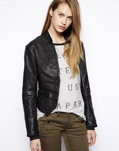 €707, Blazer de Cuero Negro de G-star. De Asos. Detalles: https://lookastic.com/women/shop_items/134217/redirect