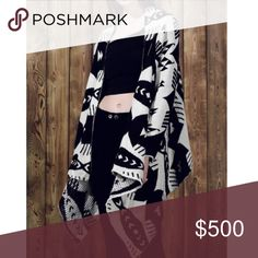 🎉Coming Soon For Fall!🎉 Loose Fit Printed Cardi Loose fit draped cardigan with great graphic print, brand new and just in time for fall! This would go great with some apple cider or a PSL! Like to be notified when this arrives, I only have one! Marked as OS, best fits an XS/S Sweaters Cardigans