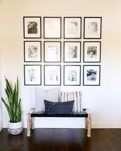 Gallery wall, modern boho decor, bench vignette, Kaila walls - Home Decor Boho Chic Living Room, Living Room Decor, Bench In Living Room, Bohemian Living, Decor Room, Room Art, Modern Foyer, Modern Boho, Modern Porch