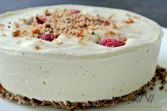 Seit längerer Zeit liebe ich rohköstliche Käsekuchen und habe einige Zeit an dem für mich perfekten Rezept gewerkelt. Da der RAW-Raspberry-Cashew-Cheesecake sehr mächtig ist, nehme ich für zwei Per...