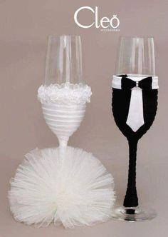 Bride And Groom Glasses, Wedding Wine Glasses, Wedding Champagne Flutes, Wedding Bottles, Wedding Cups, Champagne Glasses, Decorated Wine Glasses, Painted Wine Glasses, Wine Glass Crafts