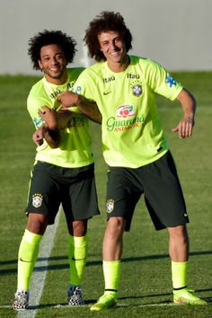 Marcelo jokes with David Luiz during a training session at the President Vargas stadium on the eve of the FIFA World Cup 2014 quarter-final match between Brazil and Colombia in Fortaleza on July Get premium, high resolution news photos at Getty Images Brazil Football Team, Football Players, Everton, Psg, Alex Sandro, Gabriel Jesus, Daniel Alves, Chelsea, Man Crush Everyday