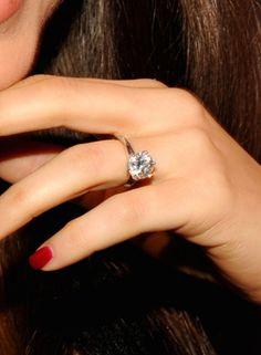 Wear a Wedding Ring Like Mila Kunis