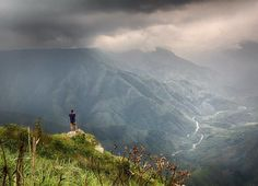 One of India's most spectacular landscapes, Laitlum Canyon's ever changing dramatic scenery showcases Meghalaya at its best. Northeast India, Hill Station, Famous Places, India Travel, Historical Sites, Natural Wonders, World Heritage Sites, Tourism, Places To Visit